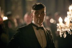 Cillian looking mean, moody and magnificent as Thomas Shelby.... swoon!