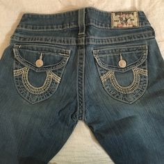 True religion jeans Trues with white stitching size 27 True Religion Pants Boot Cut & Flare
