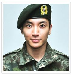 Army profile picture of Super Junior's Leeteuk (이특) (12/2012)