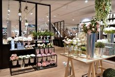 Bouchara Maison & Homewear store by Superbrand, Rouen – France Happy Flowers, Bunch Of Flowers, Flower Shop Interiors, Flower Cafe, Flower Packaging, Rouen, Home Decor Store, Retail Shop, Commercial Design