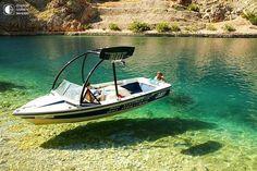 Парящие лодки над водой кристально чистых озер Северной Америки