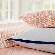 Coral and Navy Bedroom- Clark Clark Howes reminds me of our talk about your bedroom! Love the idea of navy & coral & your white fresh linens! Basement Guest Rooms, Pretty House, Sheet Sets, Apartment Life, Cozy House, Cute House, Master Bedroom Inspiration, Bedroom Inspiration Board, Patterned Sheets