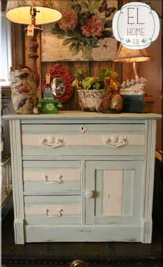 a shabby,french antique washstand hand painted in Chalk Paint® decorative paint by Annie Sloan: Old White & Provence. ADORE!