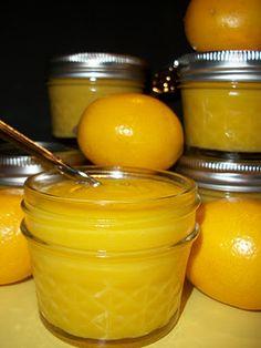Homemade Fresh Lemon Curd (from Lark's Country Heart) Lemon Desserts, Lemon Recipes, Chutneys, Ketchup, Great Recipes, Favorite Recipes, Salsa Dulce, Lemon Curd, Lemony Lemon