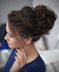 top+bun+wedding+hairstyles+-+large+bun+with+braided+headband