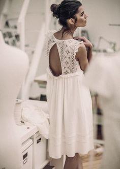 Laurent Nivalle - Laure de Sagazan - Short wedding dresses - The barefoot mariee Casual Wedding, Wedding Suits, Wedding Gowns, Laura Lee, Bridal Dresses, Flower Girl Dresses, Bridesmaid Dresses, Estilo Hippy, Perfect Wedding Dress