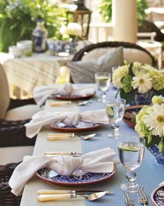 Impart an easygoing air at your next alfresco gathering with this fuss-free napkin fold. Simply tie the linen in a loose knot, and lay it casually across the plate. #southernladymag #tabletopinspo #tablescape #tabletoptuesday #tablescapetuesday #napkinfolds #napkinfolding #tablestyling #styling #diningalfresco #alfresco #southernentertaining #summerentertaining #summerinthesouth #blueandwhite #blueandwhiteforever Southern Ladies, Napkin Folding, Tablescapes, Napkins, Table Decorations, Dining, Lady, Knot, Recipes