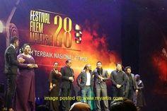 FFM28: 'MUNAFIK' FILEM TERBAIK NASIONAL & 'JAGAT' FILEM TERBAIK MALAYSIA   Festival Filem Malaysia ke-28 (FFM28) yang diadakan di Planery Hall Pusat Konvensyen Kuala Lumpur (KLCC) telah melabuhkan tirainya malam semalam apabila filem 'Munafik' arahan Syamsul Yusof diangkat sebagai 'Filem Terbaik Nasional'. Selain anugerah pertama tersebut filem 'Munafik' turut meraih empat anugerah lain iaitu 'Pengarah Filem Terbaik' (Syamsul Yusof) 'Penyunting Terbaik' (Syamsul Yusof) 'Pelakon Wanita…