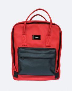 muchila-roja-bolsillo-negro-web Back To School, Backpacks, Bags, Fashion, Shopping, Red Backpack, Red, Black, School Backpacks