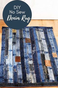 To Make A Cool Denim Rug Without Sewing Unique denim rug made from repurposed jeans waistband. Full tutorial with no sewing involved.Unique denim rug made from repurposed jeans waistband. Full tutorial with no sewing involved. Artisanats Denim, Denim Rug, Denim Quilts, Blue Jean Quilts, Denim Purse, Patchwork Jeans, Jean Crafts, Denim Crafts, Denim Ideas