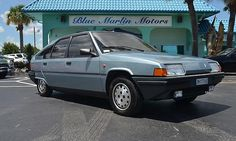 If the prospect of Citroën XM ownership sounds stale to you, then a dealership in Florida may just have the car for you: a 1985 Citroën BX 19 GT. Psa Peugeot Citroen, Citroen Car, Automobile, Volkswagen, Car And Driver, Vintage Cars, Cool Cars, Race Cars, Classic Cars