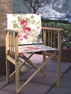 Revamp your garden chairs • Replace the fabrics on your garden chairs for a quick and easy new look