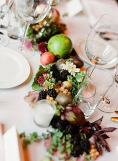 berry-garland-table-runner - Once Wed Fruit And Veg, Fruits And Veggies, Table Arrangements, Floral Arrangements, Edible Centerpieces, Table Garland, Party Buffet, Buffet Tables, Fruit Flowers