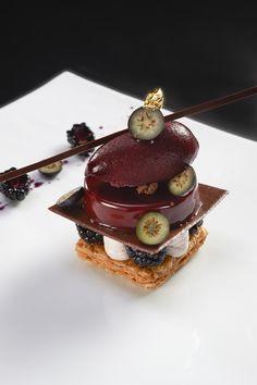 Backberry dessert @ Le Cinq #plating #presentation #dessert