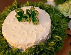 shamrock wedding cake