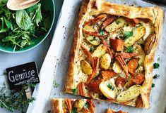 Käse-Gemüse-Tarte mit Kräutersalat