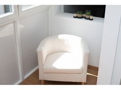 IKEA chair on glazed sun loggia Holiday Apartments, Luxury Apartments, Best Pillow, Tub Chair, Vienna, Accent Chairs, Ikea Chairs, Style Inspiration, Pillows