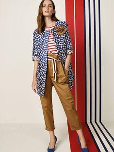 Mescolare patterns differenti, un vero must della primavera! Spring Summer 2018, Capri Pants, Patterns, Women, Fashion, Moda, Capri Trousers, Fashion Styles, Pattern