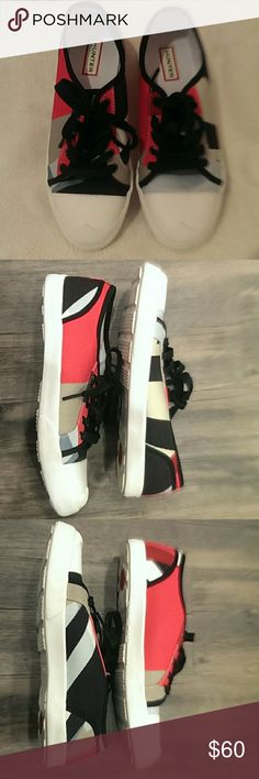 Hunter Dazzel Low Top Canvas Sneakers Shoes 8M Hunter Dazzel Low Top Lace-Up Womens Sneaker Shoes..Size 8M..Round cap toe - Lace-up closure - Low top - Contrast color - Imported.Original price:$209.99..Has been worn once,too small for me.Pet & smoke free home Hunter Shoes Sneakers