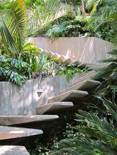 Escalas en jardín