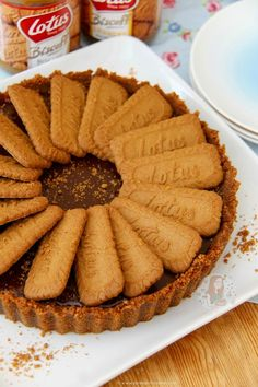 No-Bake Biscoff Tart! ❤️ A Sweet and Spiced No-Bake Biscoff Tart – Lotus Biscuit crust, Smooth & Chocolatey Biscoff Filling. Tart Recipes, Baking Recipes, Sweet Recipes, Dessert Recipes, Milk Recipes, Cheesecake Recipes, Healthy Desserts, Yummy Recipes, Biscoff Cake
