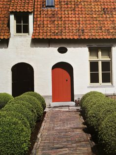 Front Doors, Garage Doors, Classical Architecture, Carriage House, Curb Appeal, Ramen, Entrance, Exterior, Windows