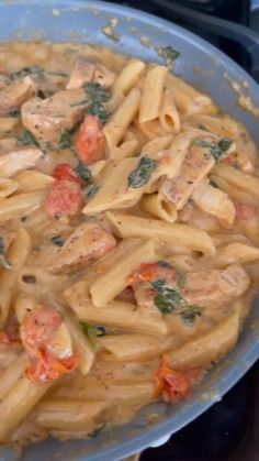 Pasta Dishes, Food Dishes, Garlic Chicken Pasta, Creamy Chicken Pasta, Pasta Dinner Recipes, Creamy Pasta Recipes, Cooking Recipes, Healthy Recipes, Crockpot Recipes