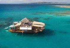 Pizzaria flutuante abre ao largo das ilhas Fiji | SAPO Lifestyle