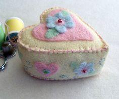Felt Heart Pin Cushion cute!