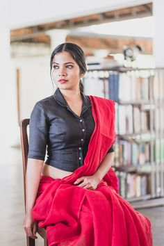 Kohl Linen Shirt Blouse – The Kaithari Project Saree Jacket Designs, Choli Blouse Design, Saree Blouse Neck Designs, Fancy Blouse Designs, Kerala Saree Blouse Designs, Viria, Stylish Blouse Design, Designer Blouse Patterns, Shirts