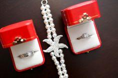 #orlandoweddingphotographer #weddingphotography #livehappystudio, #details #rings #weddingrings