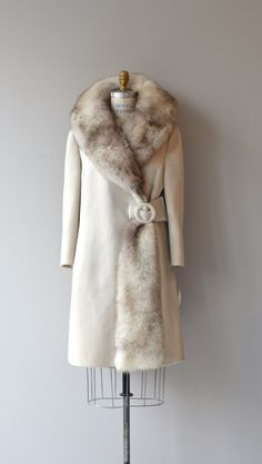 Doyenne fox collar coat fox fur 60s coat vintage by DearGolden