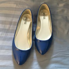 Kenneth Cole flats Look new besides bottoms comes with box Kenneth Cole Reaction Shoes Flats & Loafers