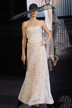 Giorgio Armani Spring 2007 Ready-to-Wear Fashion Show - Phenelope
