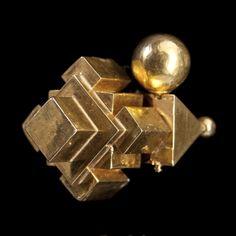 A Pair of Gold Tamil Nadu Ear Ornaments Thandatti Hippie Jewelry, Tribal Jewelry, Indian Jewelry, Jewelry Art, Gold Jewelry, Fine Jewelry, Indian Earrings, Western Jewelry, Jewelry Holder