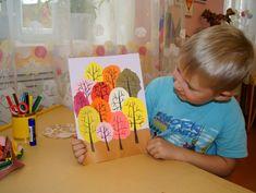 Аппликация в смешанной технике «Осень в лесу» (обрывание с элементами рисования) - Для воспитателей детских садов - Мааам.ру Fall Art Projects, School Art Projects, Projects For Kids, Crafts For Kids, Art Drawings For Kids, Drawing For Kids, Painting For Kids, Art Lessons For Kids, Art Lessons Elementary