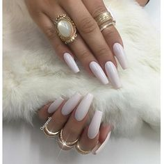 Talk with your nails when you see her boo @xo_less lol (insider )