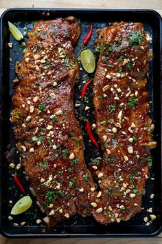 Thai Style Sweet Chili Ribs Rib Recipes, Asian Recipes, Crockpot Recipes, Cooking Recipes, Venison Recipes, Sushi Recipes, Thai Dishes, Pork Dishes, Tasty Thai