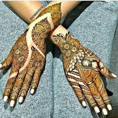 Unique And Beautiful Rose Mehndi Designs For D-Day! Floral Henna Designs, Mehndi Designs Book, Mehndi Designs For Girls, Indian Mehndi Designs, Mehndi Designs 2018, Modern Mehndi Designs, Mehndi Designs For Fingers, Wedding Mehndi Designs, Mehndi Design Pictures