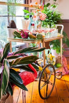 We are holding on to the days of summer with this tropical bohemian beach house wedding inspiration. Tropical Party, Tropical Vibes, Tropical Decor, Tropical Paradise, Modern Tropical, Wedding Themes, Wedding Tips, Wedding Decorations, Table Decorations