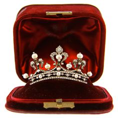 occasion tiara-for the everyday use