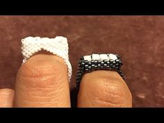 Miyuki Beads and Dice Crystal Peyote Ring for Making Dice Crystal Peyote Ring with Miyuki Beads - Yo Diy Beaded Rings, Beaded Earrings, Jewelry Making Tutorials, Beading Tutorials, Stitch Crochet, Ring Tutorial, How To Make Rings, Bracelets, Necklaces