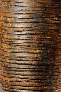 #sculpture #contemporaryceramics #art  #woodlike #treebark #naturaltexture Tree Bark, Contemporary Ceramics, Natural Texture, Sculpting, 21st, Wood, Whittling, Madeira, Sculpture