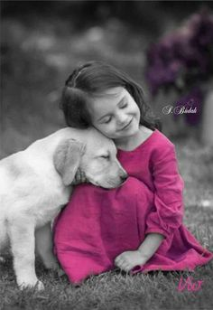 Color splash girl and dog pink Dogs And Kids, Animals For Kids, Animals And Pets, Baby Animals, Cute Animals, Splash Photography, Black And White Photography, Precious Children, Beautiful Children