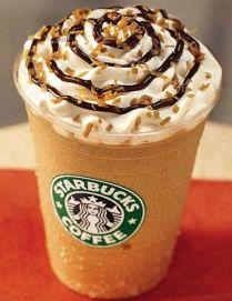 C'est en 1995 que les magasins Starbucks ont commencé à commercialiser cette boisson glacée, l'un des plus grands succès de l'entreprise. Le Frappuccino est mélangé avec du café fort, du sucre, du lait, et de la glace. Sensation garantie. Ingrédients 3/4 tasse de café froid 3 cuillères à soupe de sucre granulé 1 tasse du ...
