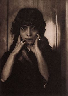 Marchesa Luisa Casati, 1912 // Photo by Adolf de Meyer. | Characters based on Casati were played by Vivien Leigh in La Contessa (1965) and by Ingrid Bergman in the movie A Matter of Time (1976).