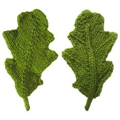 front and back of a knitted oak leaf - free pattern, pdf available - many other interesting patterns on site