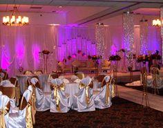 Sheraton Milwaukee Brookfield Hotel Wedding Reception/ Beautiful accent lighting round ballroom