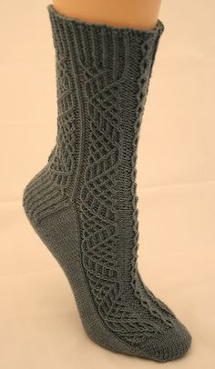Ravelry: Highland Fling pattern by Wendy D. Lace Socks, Crochet Socks, Knit Or Crochet, Knit Socks, Knitted Slippers, Crochet Granny, Knitting Stitches, Knitting Socks, Hand Knitting
