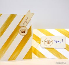 Super easy diy projects  for Valentine's Day. Gold stripe Valentine's Day card using plain cards, gold acrylic paint and that's it. Valentine's Day crafts.